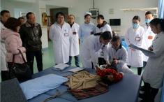 马尔康5岁孩童患重度脑瘫 成医附院开通绿色通道接力