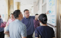 新都区人民政府副区长吴昊一行到医院考察调研