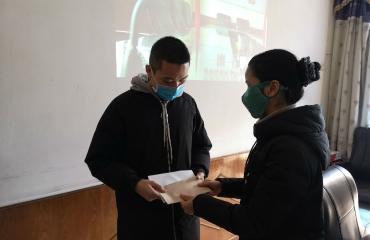 院领导走访慰问第三批援湖北医疗队家庭