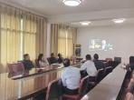 医院纪委组织班子成员观看警示教育片《黑白人生》